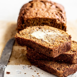 buttered slices of banana gingerbread